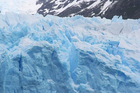 detailed picture of a glacier