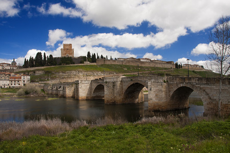 small castle of ciudad rodrigo, as can be seen from the other side of the tormes river Standard-Bild