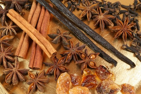 aniseed: Spices - aniseed, cinnamon, vanilla and other ingredients