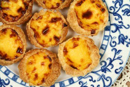 Portugese gebak - pasteis de nata. Delicious huis gemaakt keuken. Typisch voor Lissabon regio. Stockfoto