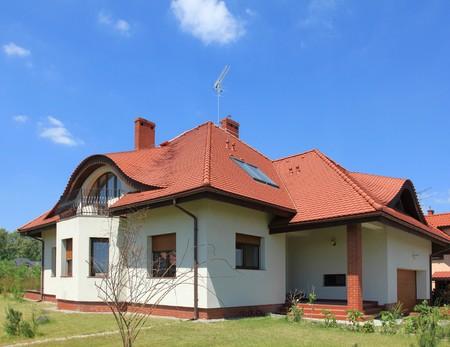 Nuova casa. Unico esterno di casa famiglia. Architettura residenziale.