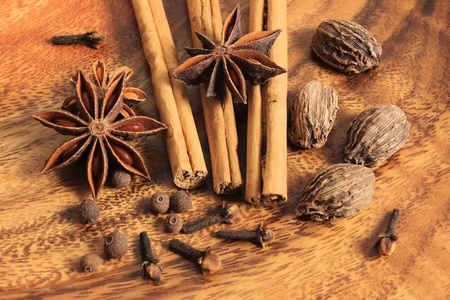 clove of clove: Christmas spices. Cooking ingredients: cinnamon sticks, clove and star anise.