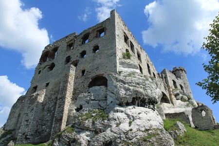 ogrodzieniec: Old castle ruins of Ogrodzieniec fortifications, Poland. Stock Photo