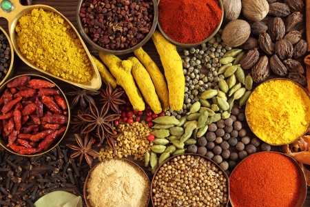 indian spices: Spices and herbs in metal  bowls. Food and cuisine ingredients.