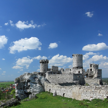 ogrodzieniec: Old castle ruins of Ogrodzieniec fortifications, Poland. Editorial