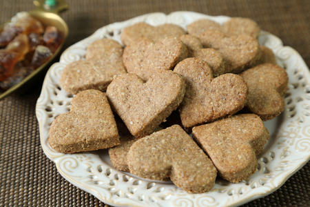 spelled: Cookies with almonds, spelled and spices.