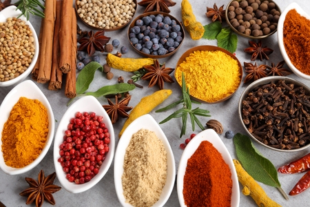 Colorful and aromatic spices and herbs. Food additives. Stockfoto