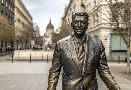 BUDAPEST, HUNGARY - 24 August, 2018: A statue in Budapests Liberty Square honors the former U.S. presidents Ronald Reagan efforts to end the Cold War Editoriali