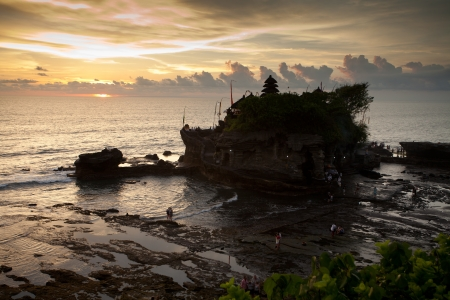 tanah lot photo