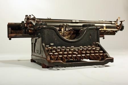 Vintage Grungy Tarnished and  Grimed Typing Machine Standard-Bild