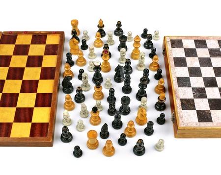 tolerancia: Dos Chessboards viejos con figuritas de la Paz y la Unión