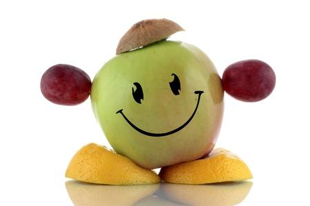 weight loss plan: Dieta felice. Divertente collezione di carattere frutta su sfondo bianco