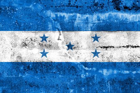 bandera honduras: Bandera de Honduras pintado en la pared del grunge Foto de archivo