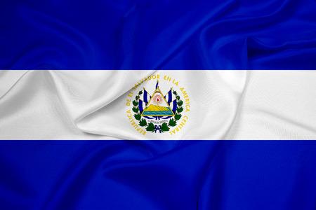 bandera de el salvador: Ondeando la bandera de El Salvador Foto de archivo