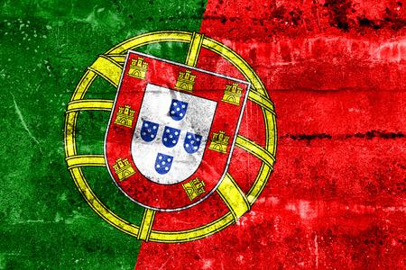 drapeau portugal: Portugal Flag peinte sur le mur de grunge Banque d'images