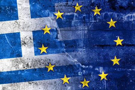 ancient greece: Grecia y European Union Flag pintados en la pared del grunge