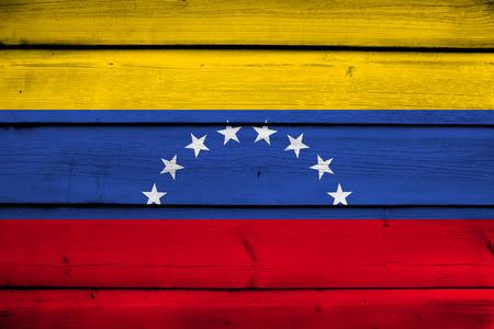 venezuela flag: Bandera de Venezuela en el fondo de madera