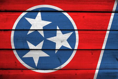 tennesse: Bandera del estado de Tennessee en el fondo de madera