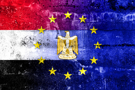 bandera de egipto: European Union and Egypt Flag painted on grunge wall
