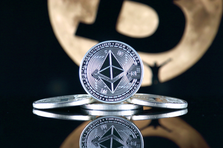 Ethereum (ETH) and the moon. The saying TO THE MOON suggests an increase in the value of cryptocurrencies. 免版税图像
