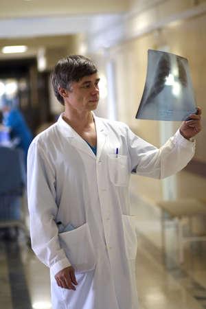 Los médicos están trabajando - medicina de antecedentes. Filmada en un hospital.  Foto de archivo - 937937