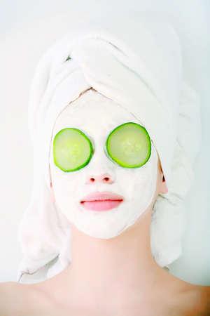 femme masqu�e: Portrait d'un mod�le de style professionnel. Th�me: spa, soins de sant�, de la mode