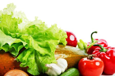 viveres: Hortalizas frescas, frutas y otros productos alimenticios. Filmada en un estudio.