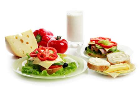 arracher: Forme naturelle des aliments. Produits laitiers, p�tisserie. Tourn� dans un studio.  Banque d'images