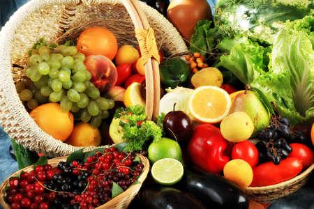 aliments: L�gumes frais, fruits et autres denr�es alimentaires. Huge collection