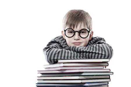 Tema educativo: funny adolescente con libros. Aislados sobre fondo blanco.  Foto de archivo