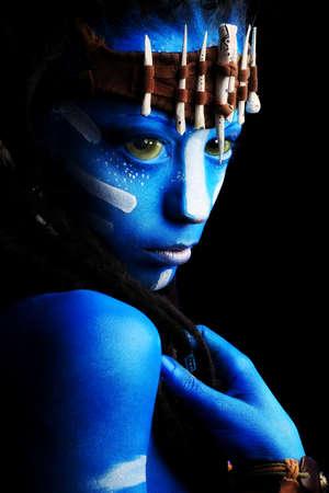 avatars: Ritratto di una donna avatar. Girato in uno studio.
