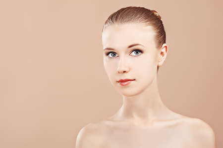 Portrait of a styled professional model. Theme: beauty, healthcare. Stock Photo - 7389699