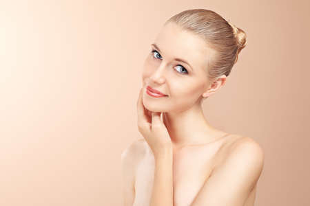 Portrait of a styled professional model. Theme: beauty, healthcare. Stock Photo - 7498777