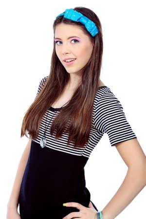 Портрет девушки подростка. Изолированные на белом фоне.