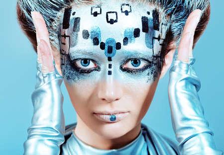 concept magical universe: Retrato de una joven futurista.