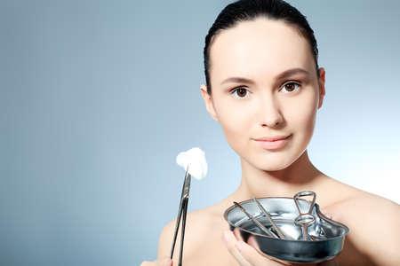 pinzas: Belleza rejuvenecimiento terapéutico piel femenina.