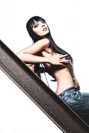 mujer sexy desnuda: Foto de una mujer sexy posando desnuda al aire libre. Foto de archivo