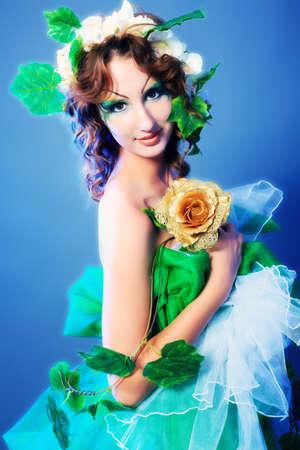 maquillaje de fantasia: Retrato de una chica de hadas de ensueño.