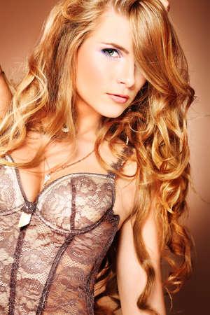 corsetto: Ritratto di una bella donna.