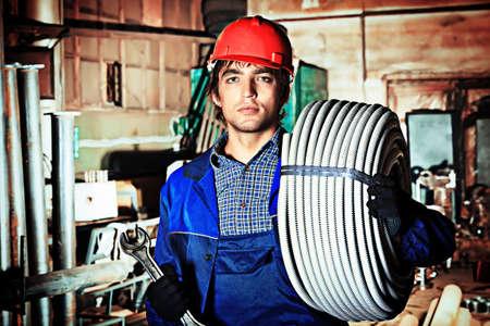 artesano: Industria: un trabajador en un área de fabricación.