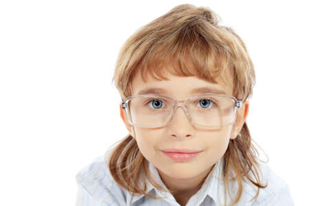8f93ec88bcbc19  16447474 - Portret van een 9-jarige jongen in brillen. Geà ¯ soleerd op  witte achtergrond.