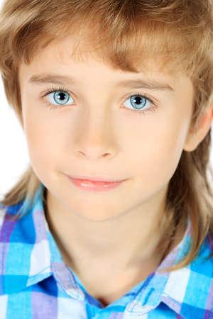 f9c6a2409d7f1b  17848551 - Portret van een 9-jarige jongen. Geà ¯ soleerd op witte  achtergrond.