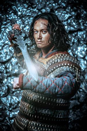 古代の男性戦士剣を持った鎧。歴史上の人物。ファンタジー。 写真素材
