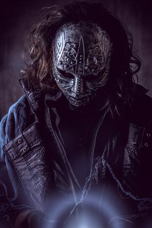鉄仮面の謎の男の肖像画。スチーム パンク。ファンタジー。ハロウィーン。 写真素材