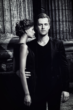 In bianco e nero, ritratto di una bella donna e uomo. Fashion style foto. Concetto di amore. Archivio Fotografico - 43650220