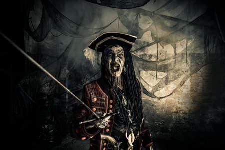 Fantasy avonturenroman. Verschrikkelijk kwaad piraat, opgestaan uit de dood. Halloween. Stockfoto