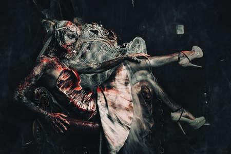 Zombie bride. Bloody dead bride woman in the old abandoned castle. Halloween. Horror. 版權商用圖片