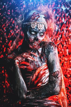 Portrait of a bloody dead bride woman. Zombie bride. Halloween. Horror. 写真素材 - 107417173