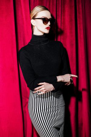 A portrait of a confident lady. Beauty, make-up, style, fashion. 版權商用圖片