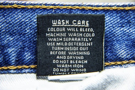 Wash care guidelines for jeans to wash them in machines  The specifications to follow for cleaning   photo